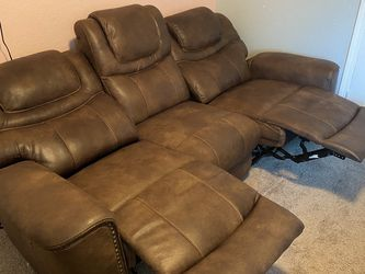Couch/recliner for Sale in Smyrna,  TN