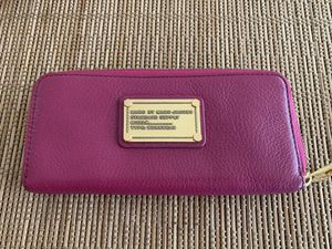 MARC BY MARC JACOBS slim zip around wallet for Sale in Fremont, CA
