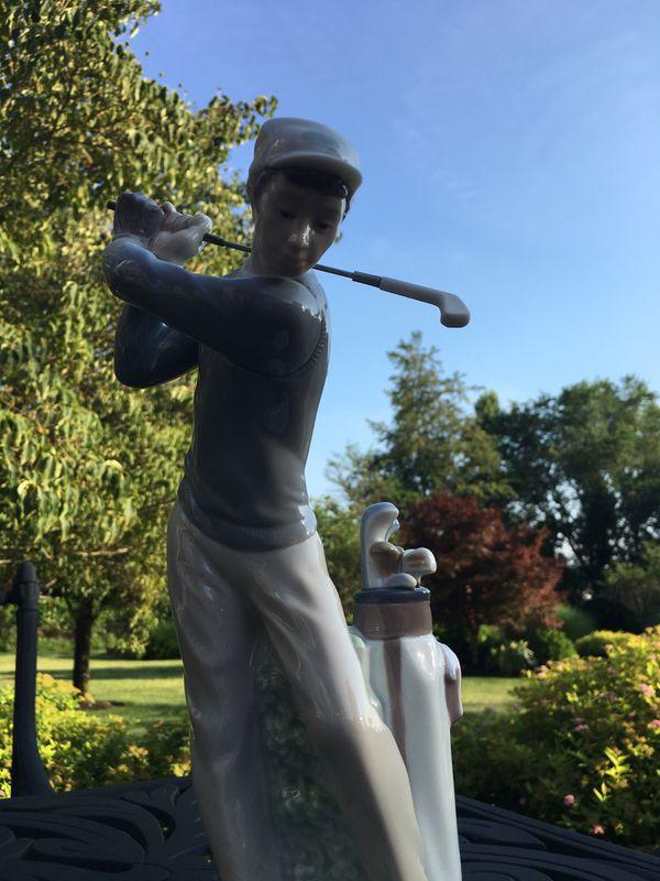 LLADRO Golfer Figurine