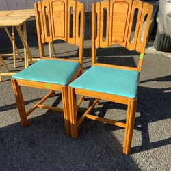 Set Of Two Dining Chairs - Delivery Available for Sale in Tacoma,  WA