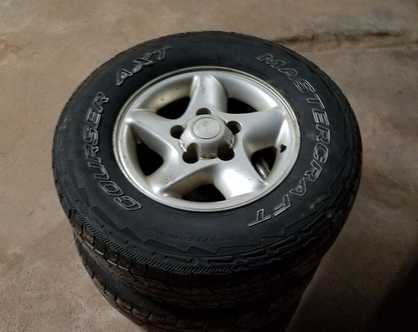 Aluminum truck rims with tires - comes with center caps and lug nuts also included