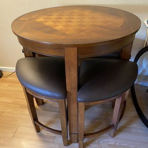 Pub Table w/Checkered Top for Sale in Lynnwood, WA