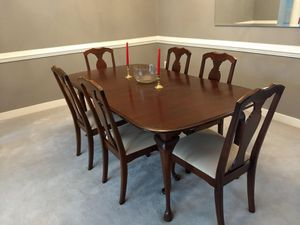 Dinning table & side decor table for Sale in Sterling, VA