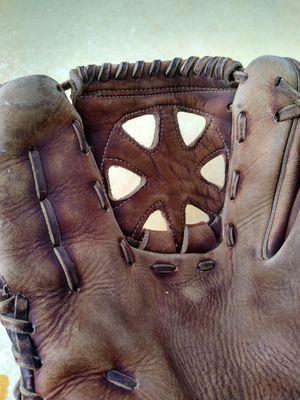 Cool Old Baseball Glove!! for Sale in Auburn, WA