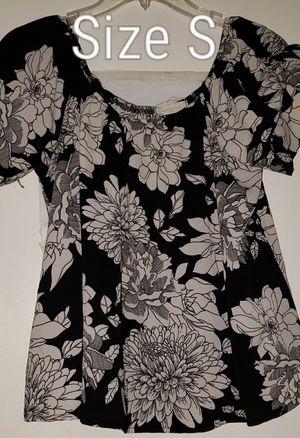 Junior size M & S clothes for Sale in Renton, WA
