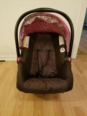 Car seat good shape for Sale in Cleveland, OH
