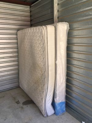 King size mattress and box springs with metal bed frame for Sale in Euless, TX