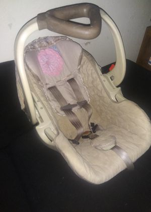 Baby Trend Car Seat for Sale in Tulsa, OK