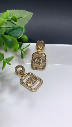 Vintage Geometric Dangle Drop Earrings, Gold Color for Sale in Los Angeles, CA