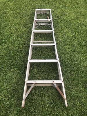 Ladder/escalera 6ft for Sale in Houston, TX