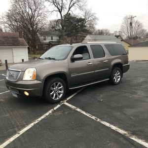 2007 Gmc Denali (WINTER READY ) for Sale in Saint Paul, MN