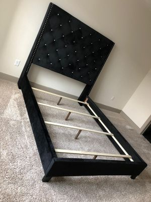 New black queen size bed frame. for Sale in Houston, TX