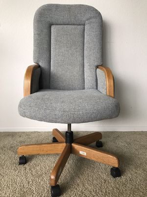 Super wide and large office chair for Sale in San Diego, CA