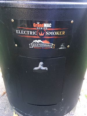 Electric smoker for Sale in Moline, IL