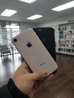 Apple iPhone 8 Unlocked 64GB for Sale in Tacoma,  WA