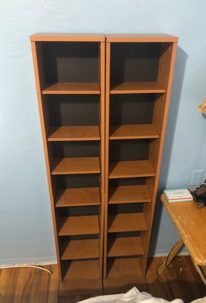2 tall bookshelves for Sale in Tallahassee, FL