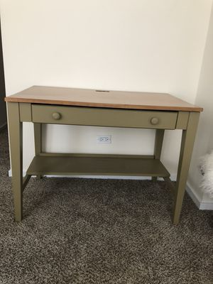 Ethan Allen table/desk for Sale in Chicago, IL