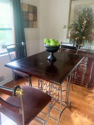 Kitchen table for Sale in Lilburn, GA