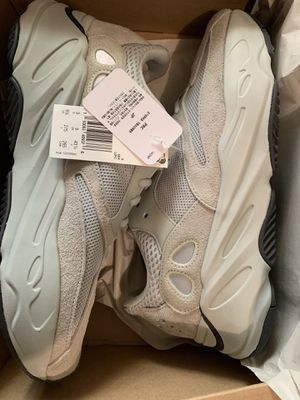 c3b4ec4b4 Yeezy 500 super moon yellow size 7 13 and 14 for Sale in Bronx