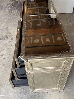 Dresser Like New OBO for Sale in Kent,  WA