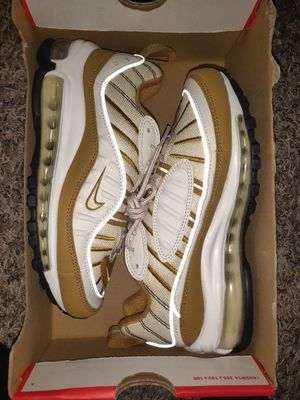 Brand new Size 5 air max 98 Great shoes for your lady or kids serious buyers only please and thanks for Sale in Everett, WA