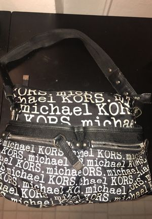 Michael Kors black and white purse for Sale in Bronx, NY