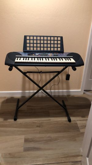 YAMAHA KEYBOARD WITH STAND for Sale in Pleasanton, CA