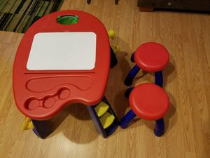 Crayola art desk with 2 stools for Sale in Garner, NC