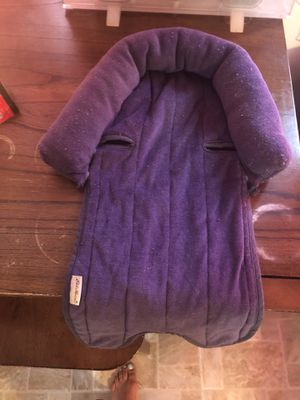 Infant car seat head support for Sale in Des Moines, IA