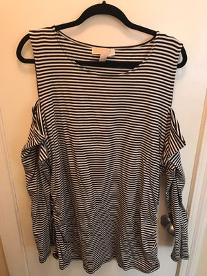 Michael Kors Women's (Off the shoulder long sleeves) Black Stripes Size 3x for Sale in Chicago, IL