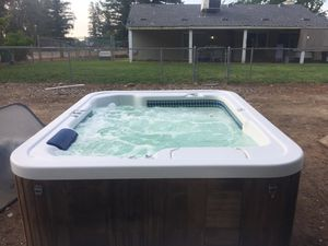 Hot tub spa with cover, HotSpring for Sale in Sanger, CA