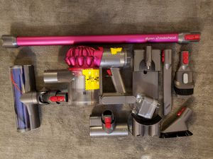 Dyson v7 for Sale in Los Angeles, CA