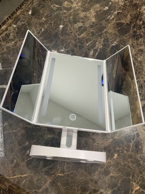 Vanity Makeup Mirror With Light for Sale in Chino, CA