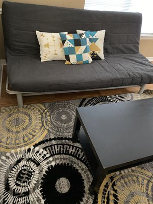 LIVING ROOM FULL SET WITH FUTTON, COFFEE TABLE, CUSHIONS & ROOF for Sale in Orlando, FL