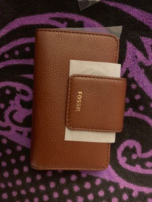 Small women fossil wallet for Sale in South Gate, CA