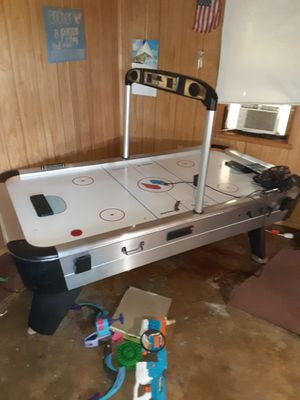 Air hockey table with one broke leg for Sale in Orlando, FL
