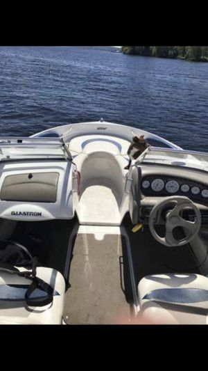 2001 Glaston speed boat 8 seats life jackets, anchor, stereo, buoys and many more for Sale in Seattle, WA