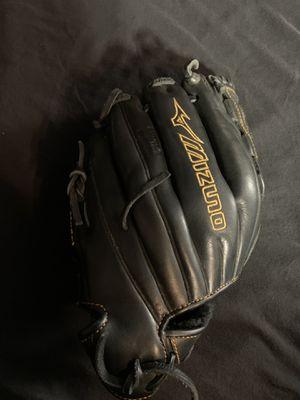 Mizuno MVP fastball glove 11.5 inches for Sale in San Diego, CA