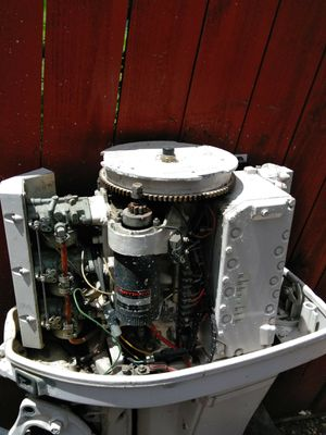 1983 85hp Chrysler force outboard motor for Sale in San Antonio, TX