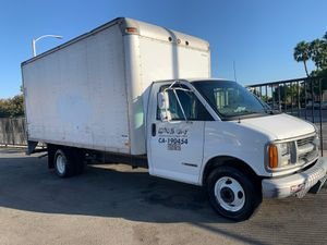 Chevy box truck 3500 series won't start for Sale in Alhambra, CA