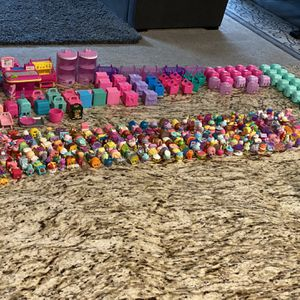 300 + Shopkins In Great Condition Like New for Sale in Ontario, CA