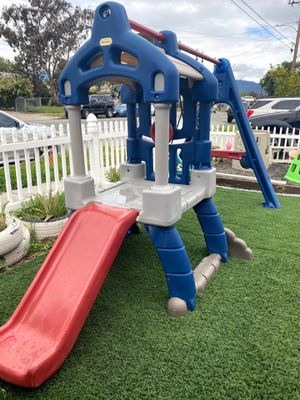 Little tikes swing set playhouse for Sale in Fontana, CA