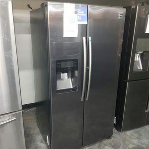 SAMSUNG Black Stainless Refrigerator for Sale in Hacienda Heights, CA