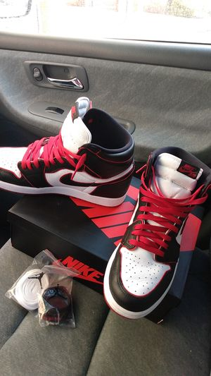 Air Jordan 1s bloodline size 12 for Sale in Garland, TX