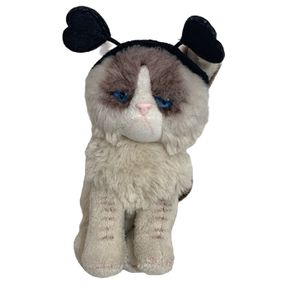 "Gund Grumpy Cat Valentines Day Plush 6"" Collectible 4050495 Heart Stuffed Animal for Sale in Aloha, OR"