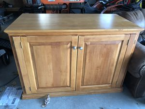 Desk for Sale in New Bloomfield, MO