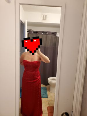 Red silk sleeveless prom/homecoming dress for Sale in Pompano Beach, FL