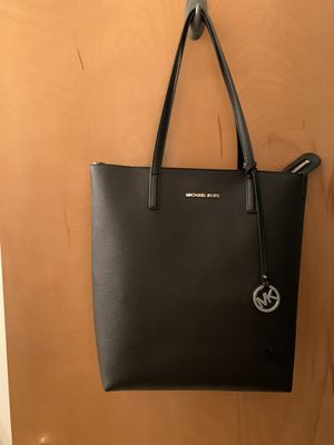 Authentic Michael Kors bag tote for Sale in Beaverton, OR
