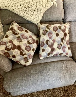 Throw Pillows for Sale in Aberdeen, WA