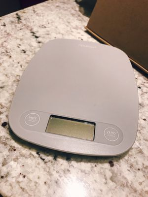Small Kitchen Scale and Measuring Cups for Sale in Alexandria, VA